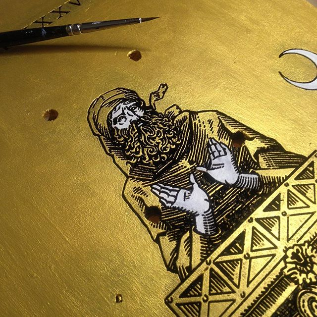 "Kindly hosted at @fazidraws studio today, still working on my piece for the ""Skateboards Confluence"" exhibition. Applying gold and ivory tones on the carved board. #wip #workinprogress #stylite #skateboard #fineart #engraving #woodcut #gold #ivory #bible #byzantine #oldtestament #illustration #painting #process #saint #skateboardsconfluence"