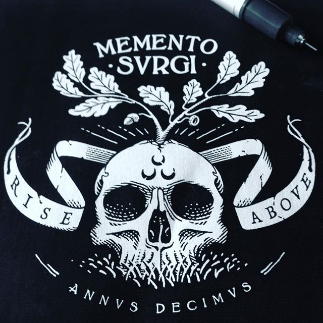 "My #riseabove project turns 10 and i'll celebrate this #anniversary with my first personal #tshirt. It'll be available at @filler_diy 9th 10th 11th of June, as well as the same themed poster i'm developing at the moment. After many Memento Mori #skulls let's move forward with ""Memento Surgi"", literally ""don't forget to rise""as the chosen monicker Rise Above and the the cescent moons of my insignia constantly stated over this first decade of commitment. 🎂💀🌱⌛️🔟"